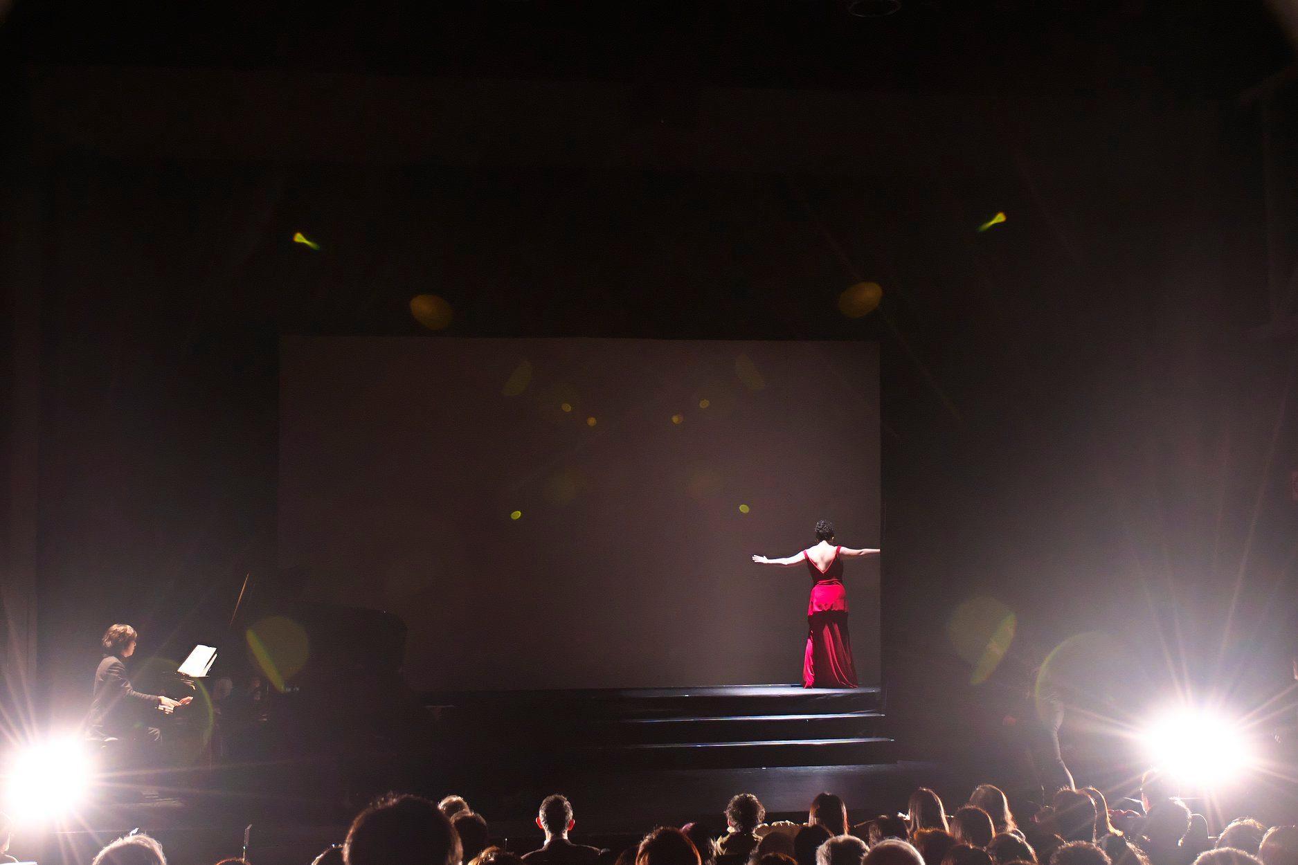 《トスカ》舞台写真をアップして頂きました